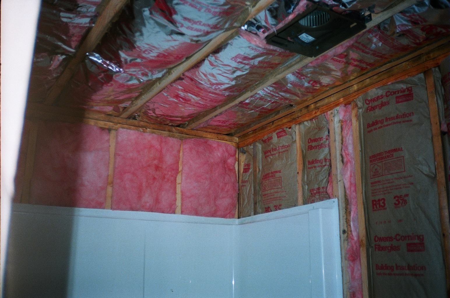 R13 Insulation In Walls And R30 Insulation In Ceiling Photo 01